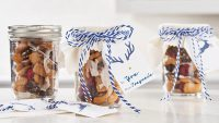 Gifting Reindeer Chow In A Jar